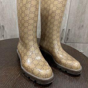 Gucci rain boots 👢